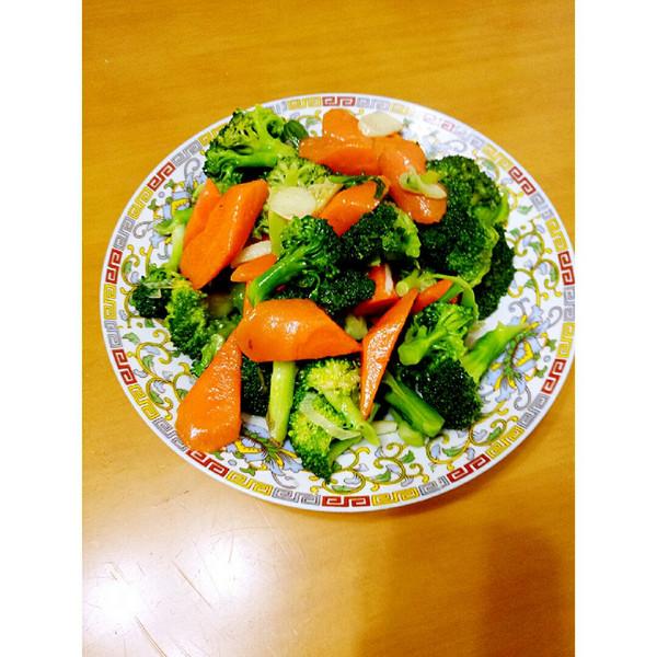 胡萝卜配西兰花的做法