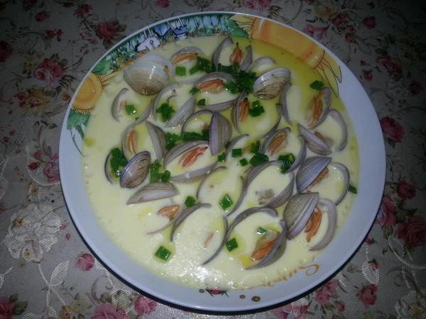 蛤蜊蒸蛋 鲜美的海鲜蛋羹的做法