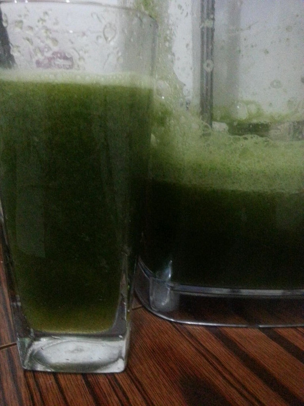 蜂蜜芹菜苹果汁的做法