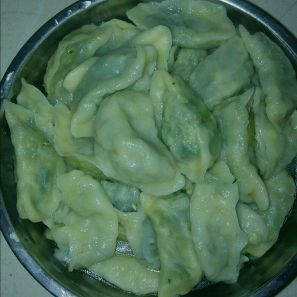 韭菜鸡蛋粉条饺子的做法