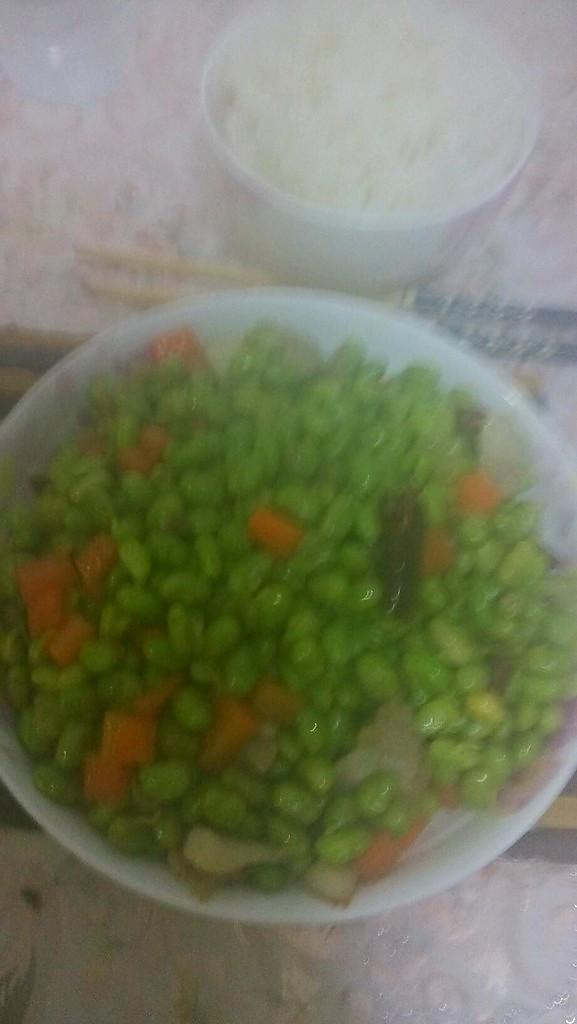 素炒青豆胡萝卜粒的做法