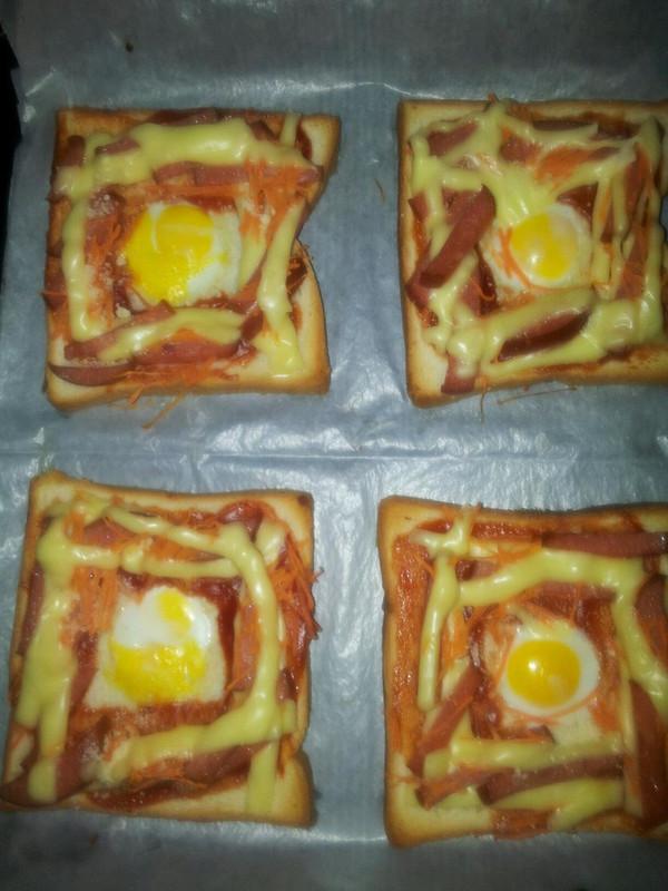 吐司太阳蛋披萨的做法