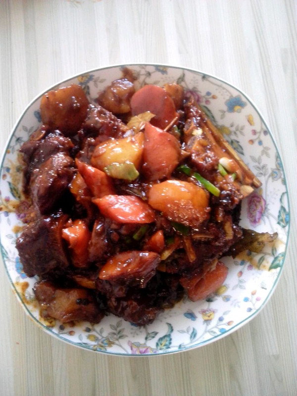 红烧排骨土豆的做法