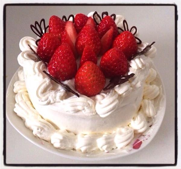 草莓鲜奶油蛋糕的做法