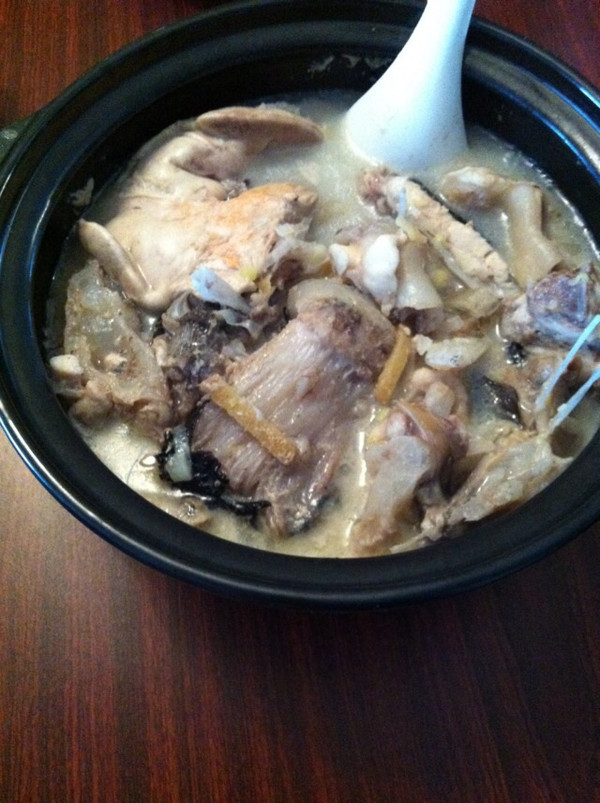 安康鱼尾炖豆腐粉条的做法
