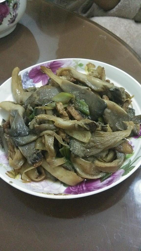 肉炒平菇的做法