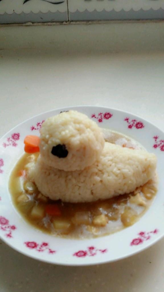 治愈系的小黄鸭咖喱饭的做法