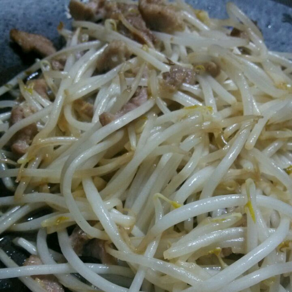 豆芽炒肉丝的做法