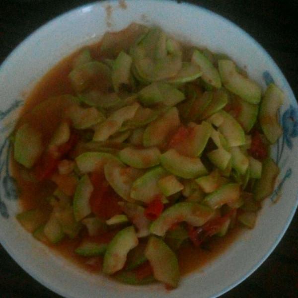 超简单~西红柿小炒西葫芦的做法