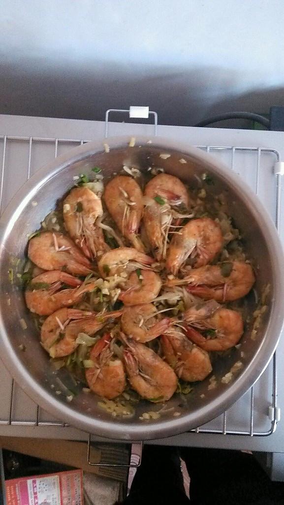 原味盐灼虾-家美厨房硅胶塔吉锅试用的做法