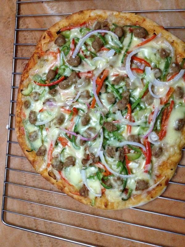 家庭版薄饼披萨的做法