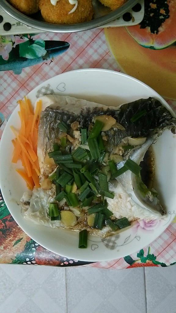 榨菜蒸脘鱼的做法