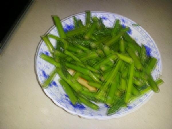 健康减脂的凉拌芦笋的做法