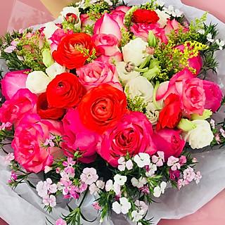 草莓季的生日鲜花与蛋糕