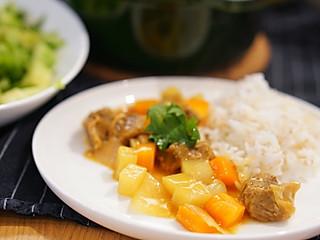 谱食物语的简约晚餐   咖喱土豆萝卜牛腩