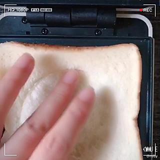 蓝胖纸叮当的营养均衡美味快手的低脂芝士配肉松蛋三明治