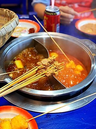我系波斯Cat的在成都吃的怀旧主题马路边边撸串在广州又吃上了