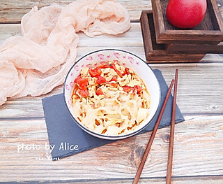 Alice优优的🍜简单营养快手的西红柿鸡蛋焖面,一日三餐来一碗🥢