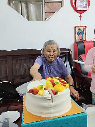 陈c二姐的#生活中的小确幸#祝外婆生日快乐