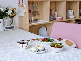 流浪的喵喵小姐的喵の早餐 | 煎魔芋+奶黄包+姜汁红糖~
