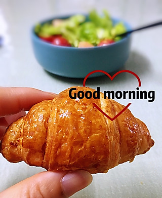 罗勒酱的7.18早安 爱上这款迷你羊角包💋