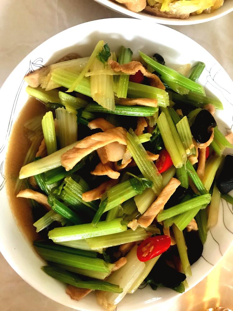 白菜炖粉条,芹菜肉丝图2