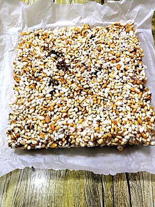 木紫冰的小时候家乡的爆米花糕