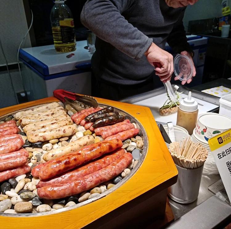 不用去台湾也能逛到正宗的台湾夜市啦~小吃的天堂!图9