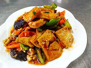 china美食记的老潍县老饮食亲传招牌拿手菜《私藏秘制豆腐》火爆几十年的菜品