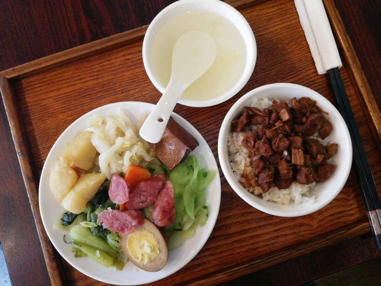 魔都探店 永嘉路尚嗨台湾鲁肉饭 一家很有人情味的小馆子图3
