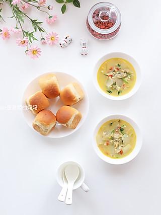 z是晨熙的妈妈的🌸早餐:花蛤冬瓜汤🍲+栗子酱夹心餐包