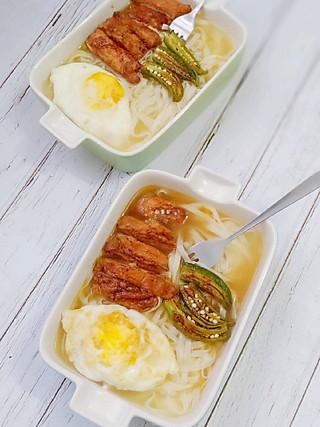 小厨蔡蔡的盐焗鸡排鸡蛋面