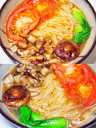 袋鼠和鱼干酱的超鲜美的菌菇番茄浓汤面🍅汤汁都能喝光!早餐来一碗太治愈啦!