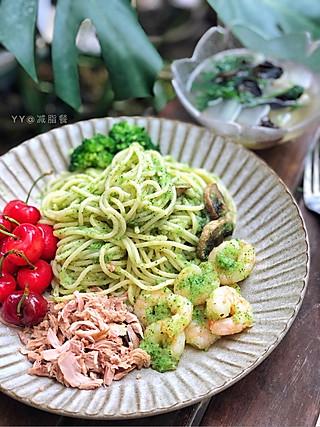 开心厨娘蛋蛋妈的午餐:蔬菜意面➕冬瓜木耳香菜汤