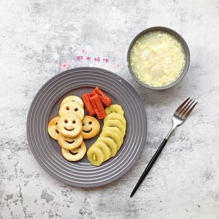 甜心屋宝宝的365天,好好吃早餐『笑脸薯饼,肠仔,奇异果,蛋花米酒汤圆』