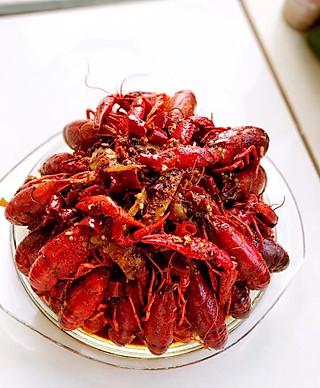 Yangyang0416的麻辣小龙虾🦞…
