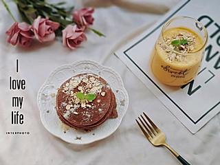 燕儿HKY的黑麦酸奶松饼~芒果酸奶昔