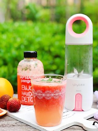 芽芽名叫黄小芽的蜂蜜荔枝西柚汁