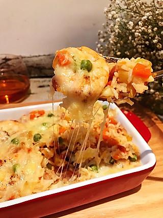欢茄美食嘉的剩饭终结者,鲜虾培根芝士焗饭,秒杀西餐厅的美味你也可以做出来