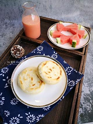 紫煜_zy的【早餐】油酥火烧、西瓜奶昔