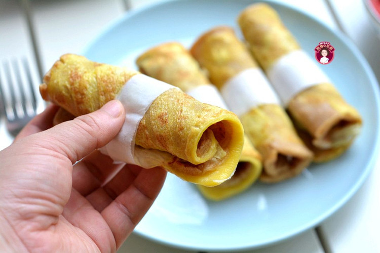轻食早餐,鸡蛋煎饼配大虾番茄汤,鲜香味美!图3