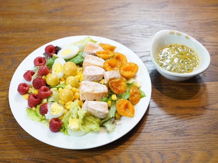 减肥,七分靠吃三分靠运动。今天来一道清新三文鱼沙拉图7