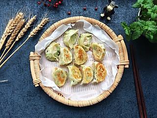 开心123jiajia的西葫芦丝虾仁煎饺