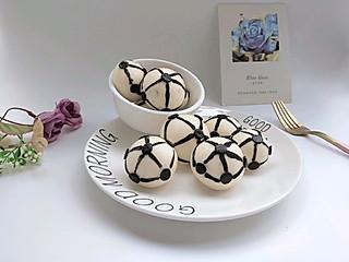 圆圆开心厨房的好吃又有趣的小足球馒头,小朋友抢着吃呢~#母婴大咖#