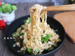 柴米饭饭美食的凉拌豆腐皮