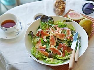 谱食物语的无花果火腿片色拉,吃出春天的气息