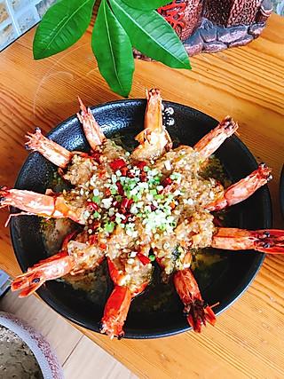 求逆生长的今日午餐~蒸开背虾(无油,酱料单纯用耗油炒制出来铺在开背虾上