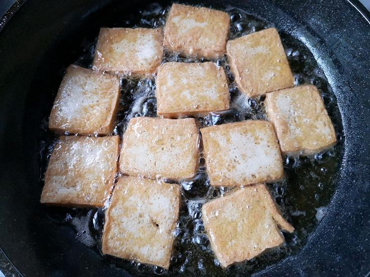 葱香蚝油煎豆腐,超简单的下饭菜,焖煮一下更入味~图4
