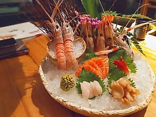 Lucky小佳的魔都探店|王鼎精致料理,大龙虾刺身真的超级美味,虾肉很新鲜,口感软且绵密,蘸着芥末酱汁真的好吃无比😋