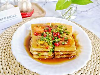 虫子小姐的厨房日记的外酥里嫩,汤汁浓郁的【香煎夹心豆腐】,咬一口有惊喜哦!